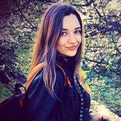 Юлия - студентка